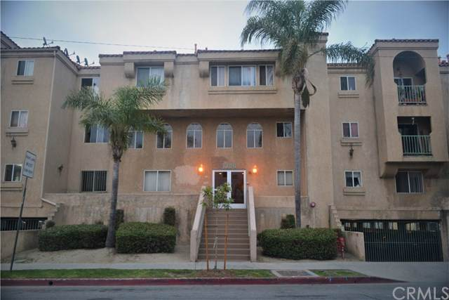 6100 Rugby Avenue #206, Huntington Park, CA 90255 (#RS19202816) :: Berkshire Hathaway Home Services California Properties
