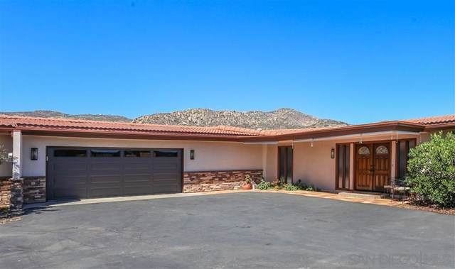 626 Singing Vista Court, El Cajon, CA 92019 (#190047411) :: The Laffins Real Estate Team
