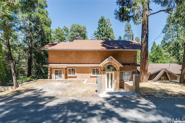684 Knoll Drive, Crestline, CA 92325 (#319003460) :: J1 Realty Group