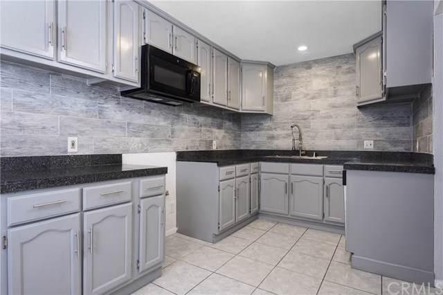 223 S Acacia Avenue #214, Compton, CA 90220 (#SB19205451) :: Heller The Home Seller