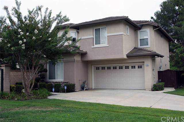 2201 Jeans Court, Signal Hill, CA 90755 (#DW19206768) :: Fred Sed Group
