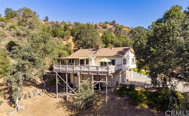 40882 Hodges Hill Drive, Oakhurst, CA 93644 (#FR19206668) :: Allison James Estates and Homes