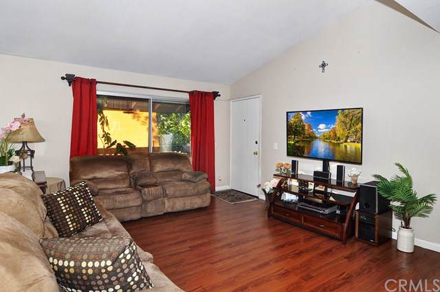 23220 Orange Avenue #12, Lake Forest, CA 92630 (#OC19202672) :: Doherty Real Estate Group