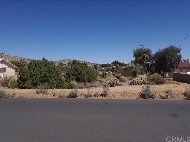 588 Eldorado Drive, Yucca Valley, CA 92284 (#JT19207942) :: J1 Realty Group