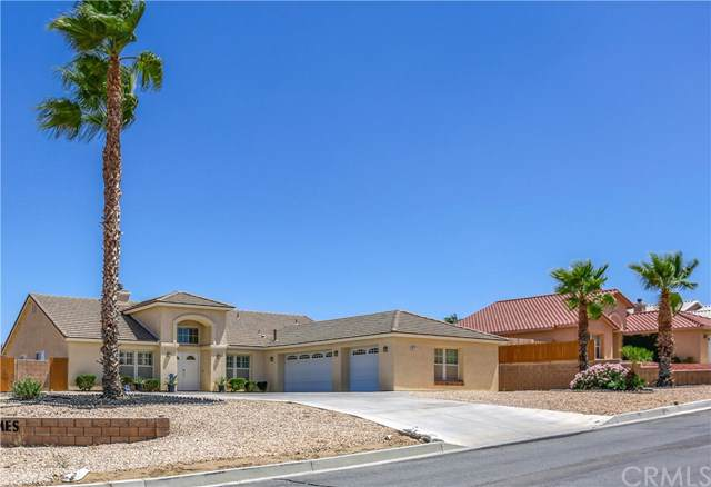 8511 Barberry Avenue, Yucca Valley, CA 92284 (#JT19206403) :: RE/MAX Masters