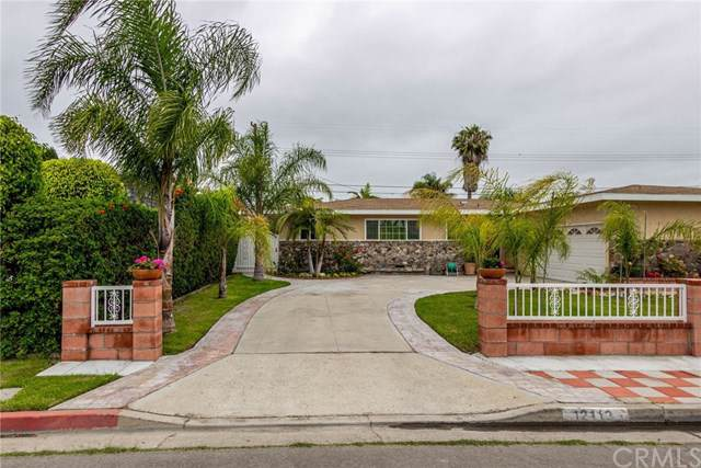 12112 Morrie Lane, Garden Grove, CA 92840 (#OC19211997) :: Allison James Estates and Homes