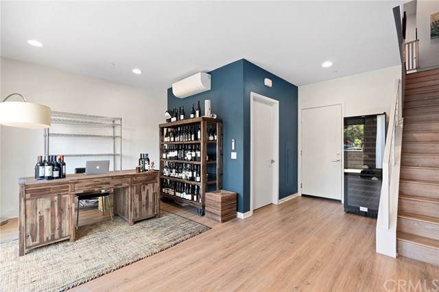 619 W 17th St, Costa Mesa, CA 92627 (#NP19212091) :: Allison James Estates and Homes