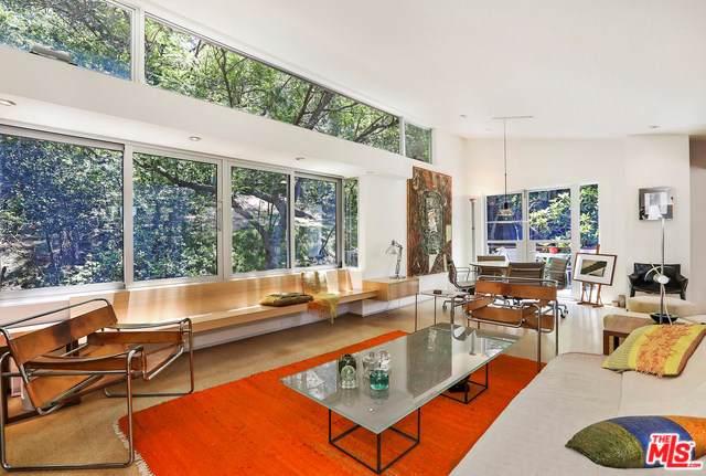 2438 Canyon Oak Drive, Hollywood, CA 90068 (#19507302) :: Berkshire Hathaway Home Services California Properties