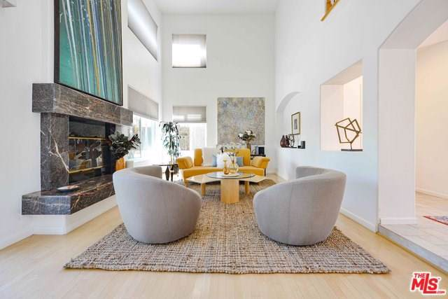 6557 Kentwood Bluffs Drive, Los Angeles (City), CA 90045 (#19506772) :: Powerhouse Real Estate