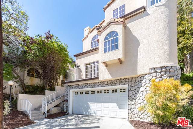 726 Sunnyhill Drive, Los Angeles (City), CA 90065 (#19507918) :: RE/MAX Empire Properties