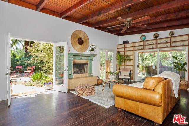 1128 Canyon Trail, Topanga, CA 90290 (#19507946) :: The Marelly Group | Compass