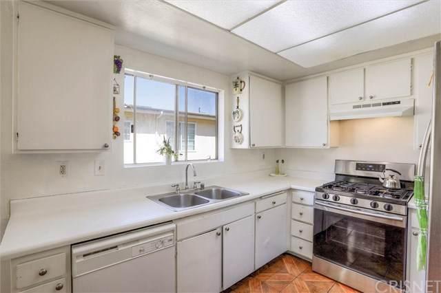 8532 Columbus Avenue #18, North Hills, CA 91343 (#SR19214993) :: RE/MAX Empire Properties