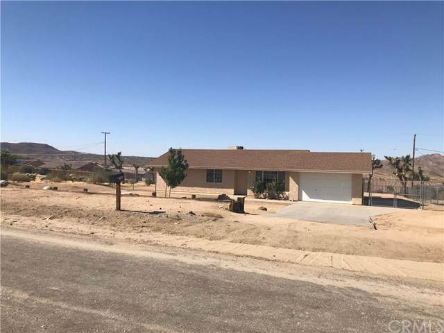 60222 Granada Drive, Joshua Tree, CA 92252 (#JT19215046) :: The Laffins Real Estate Team