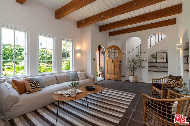 6058 Scenic Avenue, Los Angeles (City), CA 90068 (#19509054) :: Heller The Home Seller