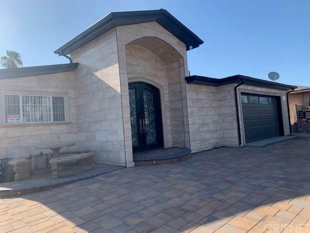 8001 Greenbush Avenue, Panorama City, CA 91402 (#SR19215895) :: RE/MAX Estate Properties