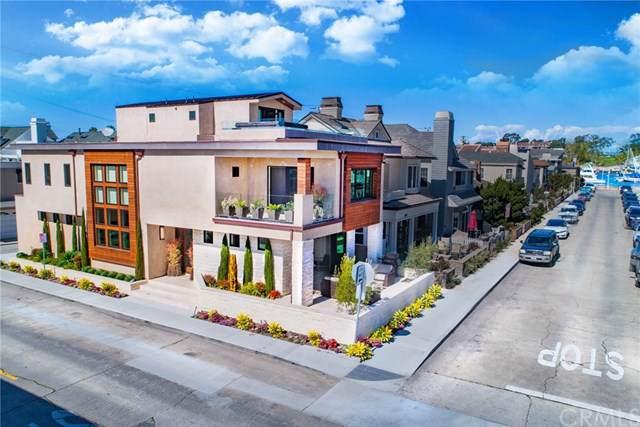 301 Diamond Avenue, Newport Beach, CA 92662 (#NP19214655) :: Fred Sed Group