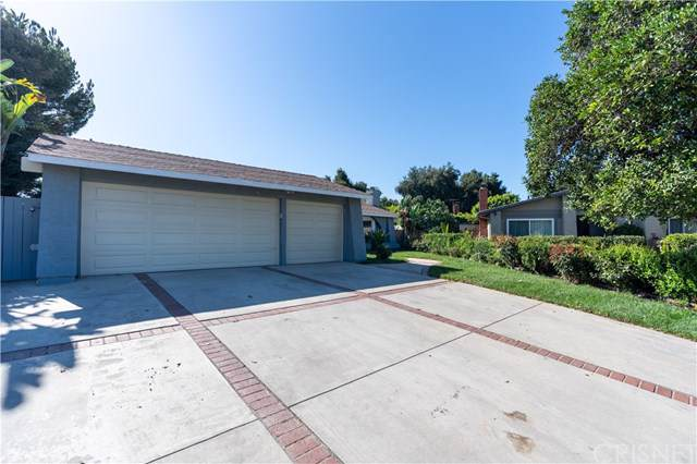 21902 Stanwell Street, Chatsworth, CA 91311 (#SR19216146) :: Brandon Hobbs Group