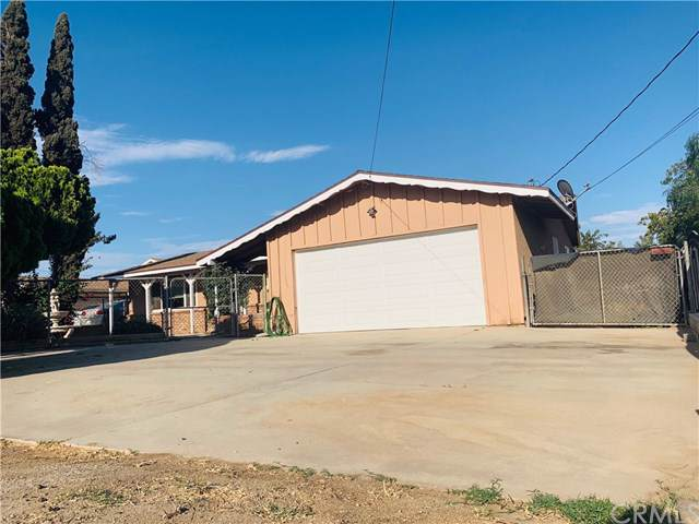 6474 Etiwanda Avenue, Jurupa Valley, CA 91752 (#IV19216941) :: The Danae Aballi Team