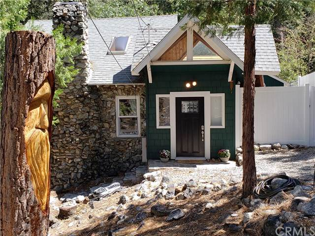 9419 Cedar Dr., Forest Falls, CA 92339 (#OC19215896) :: Allison James Estates and Homes