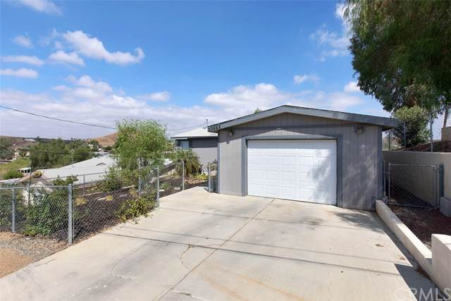 23662 Mount Vernon Place, Canyon Lake, CA 92587 (#SW19215177) :: Fred Sed Group