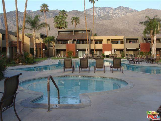 1655 E Palm Canyon Drive #510, Palm Springs, CA 92264 (#19509780PS) :: Berkshire Hathaway Home Services California Properties