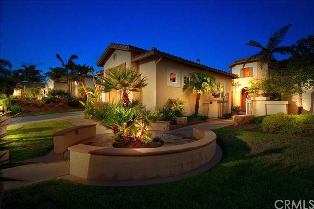 17043 Coyote Bush Drive, San Diego, CA 92127 (#TR19217592) :: Abola Real Estate Group