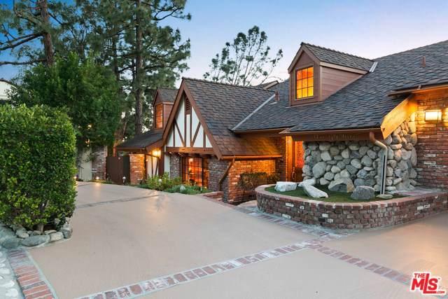 357 Patrician Way, Pasadena, CA 91105 (#19510100) :: The Brad Korb Real Estate Group