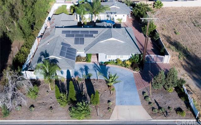 2217 S Lincoln Avenue, Corona, CA 92882 (#OC19217884) :: Allison James Estates and Homes