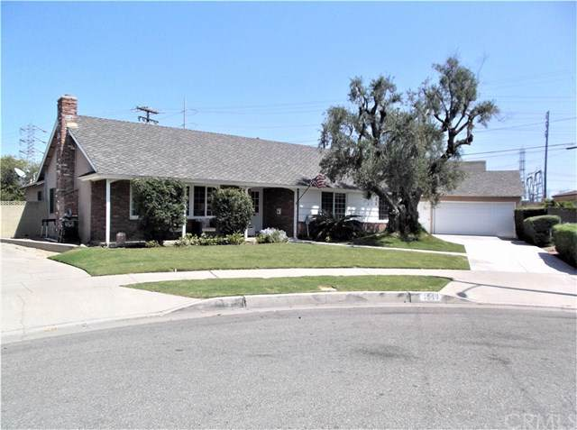 1549 E Candlewood Avenue, Orange, CA 92867 (#RS19217558) :: Allison James Estates and Homes