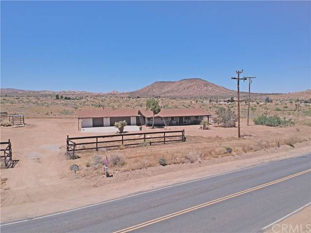 52740 Pipes Canyon Road, Pioneertown, CA 92268 (#JT19219134) :: Allison James Estates and Homes