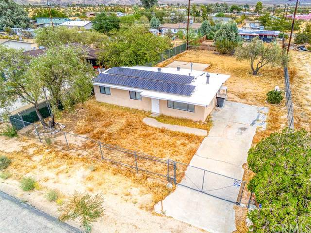 64868 Walpi Drive, Joshua Tree, CA 92252 (#JT19219306) :: Allison James Estates and Homes