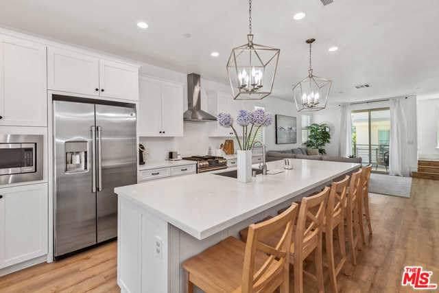 19502 Cardin Place, Northridge, CA 91324 (#19509348) :: Brandon Hobbs Group