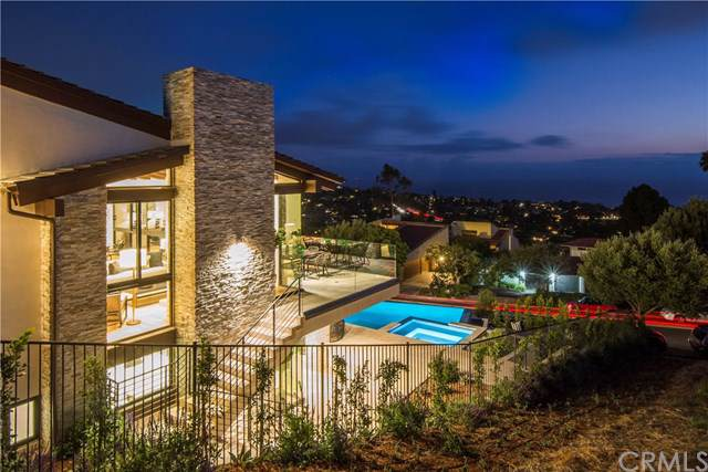 1320 Via Romero, Palos Verdes Estates, CA 90274 (#PV19219174) :: Millman Team