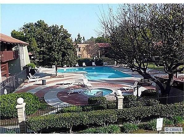 1010 W Macarthur Boulevard #104, Santa Ana, CA 92707 (#OC19219724) :: DSCVR Properties - Keller Williams
