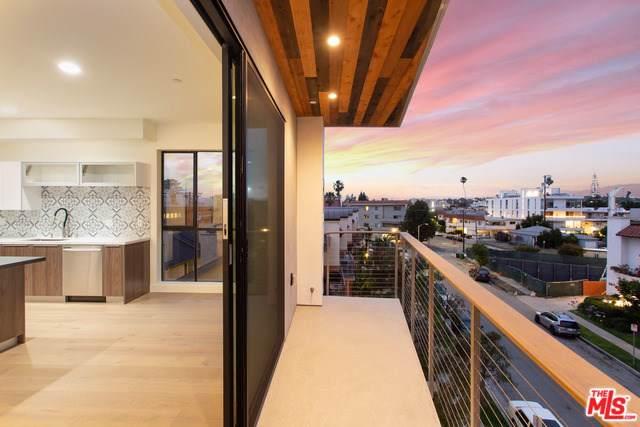 3981 Moore Street #402, Mar Vista, CA 90066 (#19510868) :: Powerhouse Real Estate