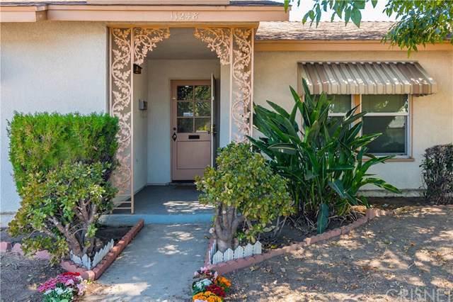 11248 Balboa Boulevard, Granada Hills, CA 91344 (#SR19219785) :: Allison James Estates and Homes