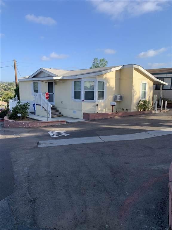 220 Camino Corto #29, Vista, CA 92083 (#190051166) :: Abola Real Estate Group