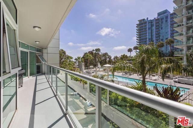13600 Marina Pointe Drive #412, Marina Del Rey, CA 90292 (#19510550) :: Powerhouse Real Estate