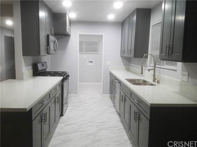 45329 Burgess Way, Lancaster, CA 93535 (#SR19220127) :: Keller Williams Realty, LA Harbor