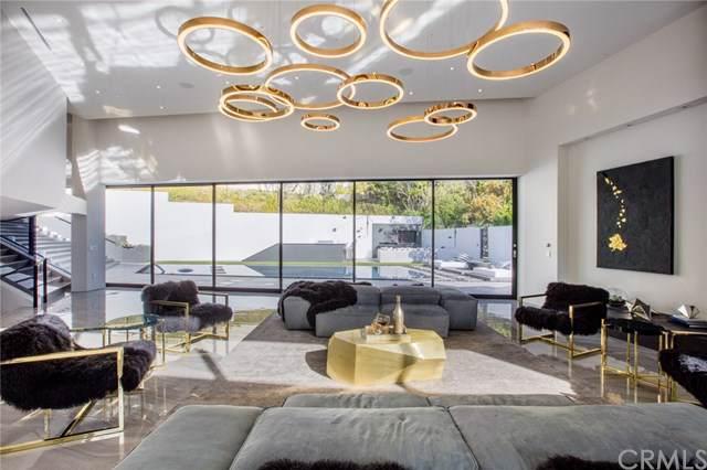 2210 Bowmont Drive, Beverly Hills, CA 90210 (#AR19220265) :: Millman Team