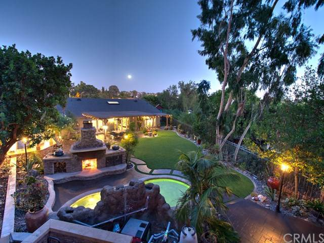 24241 La Pala Lane, Mission Viejo, CA 92691 (#OC19218660) :: Berkshire Hathaway Home Services California Properties