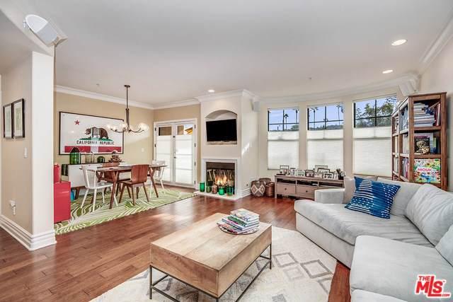 12026 Hoffman Street #202, Studio City, CA 91604 (#19511082) :: RE/MAX Estate Properties