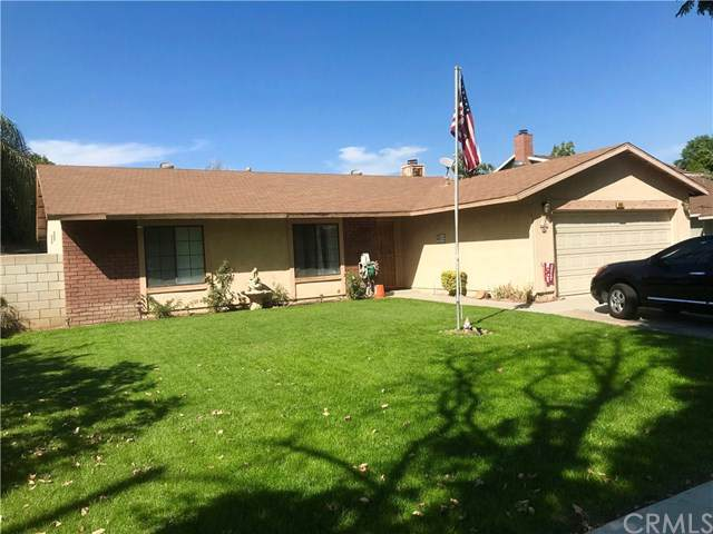 945 Mellon Court, Colton, CA 92324 (#DW19220575) :: Millman Team