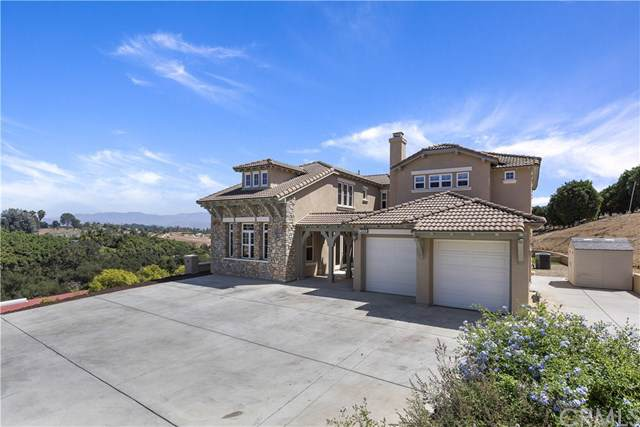 5006 Hill Ranch Drive, Fallbrook, CA 92028 (#SW19220628) :: The Marelly Group | Compass