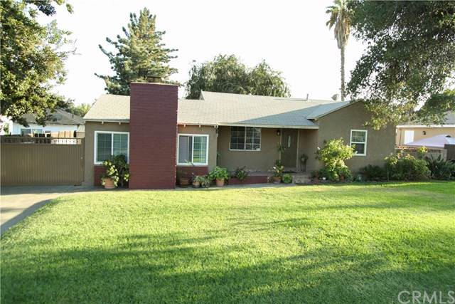925 W 28th Street, San Bernardino, CA 92405 (#CV19220635) :: Abola Real Estate Group