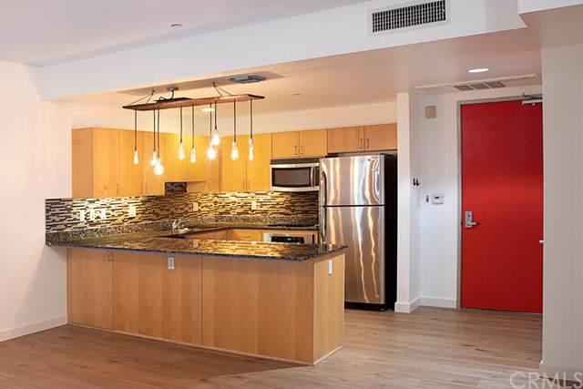 285 W 6th Street #305, San Pedro, CA 90731 (#SB19216381) :: RE/MAX Estate Properties