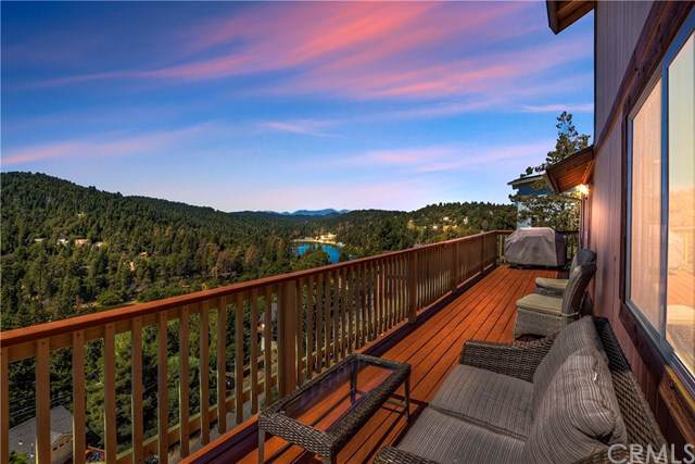 658 Arth Drive, Crestline, CA 92325 (#EV19220921) :: Rogers Realty Group/Berkshire Hathaway HomeServices California Properties