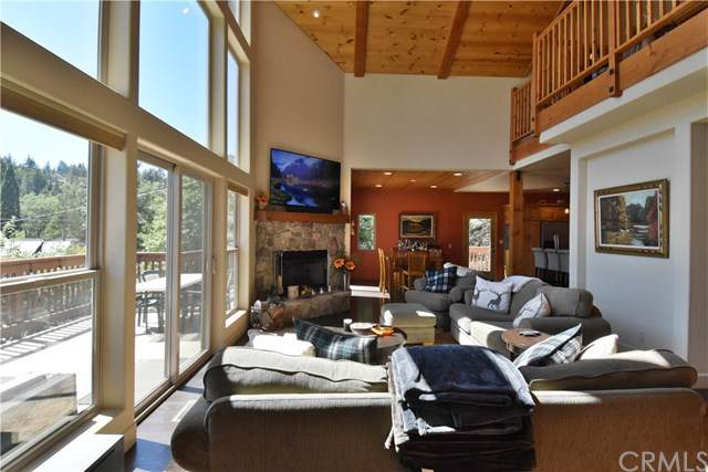 756 Brentwood Drive, Lake Arrowhead, CA 92352 (#PW19220956) :: RE/MAX Empire Properties