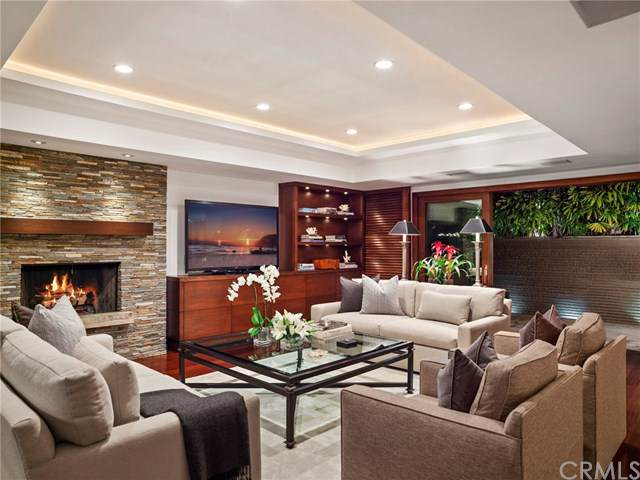 21 Augusta Lane, Newport Beach, CA 92660 (#NP19221526) :: Allison James Estates and Homes