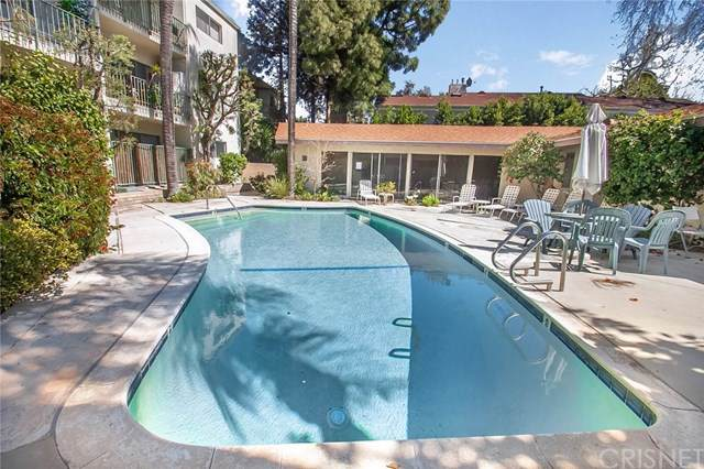 10240 Camarillo Street #110, Toluca Lake, CA 91602 (#SR19221878) :: The Brad Korb Real Estate Group